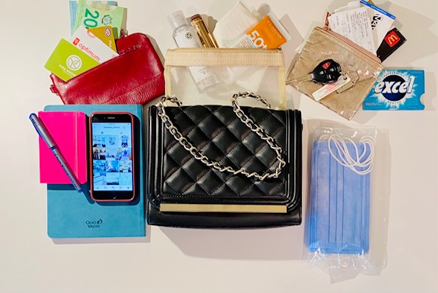 Purse Organizing Hacks for your Purse Contents - Declutter your Handbag too!